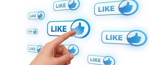woman-hand-pressing-Social-Network-icon-260