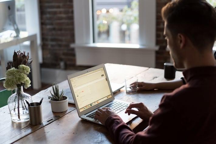 marketer creating a lead nurturing plan